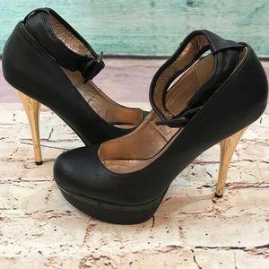 Charlotte Russe Black & Gold Heel Shoes, Size 9